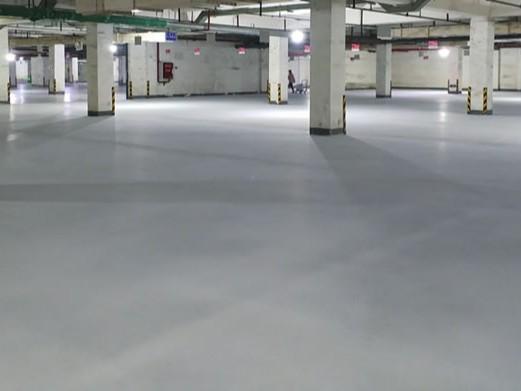 停车库无溶剂自流平环氧地坪涂层剥离破坏原因分析