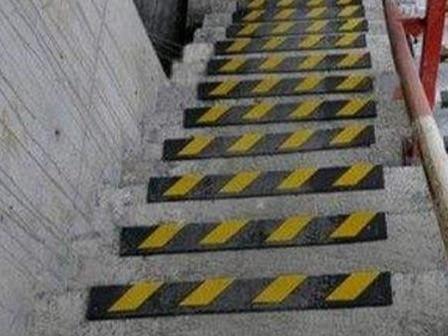 步梯抹灰常见问题的原因及防治措施